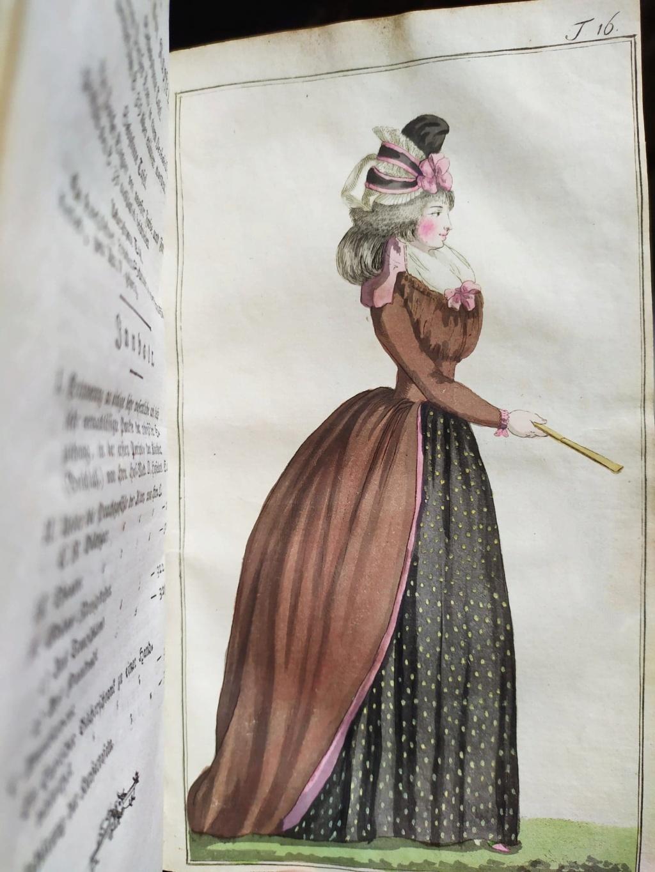 La mode et les vêtements au XVIIIe siècle  - Page 10 12072910