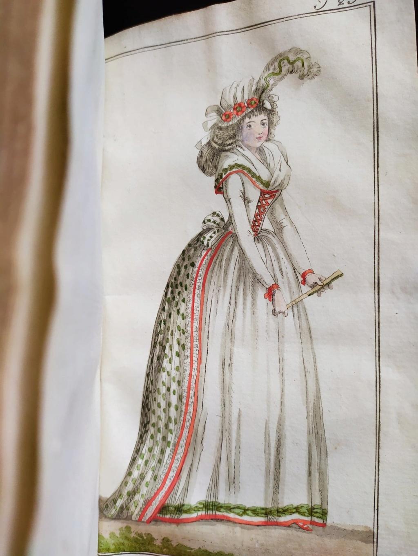 La mode et les vêtements au XVIIIe siècle  - Page 10 12081510