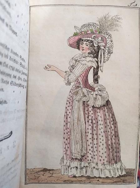 Marie-Antoinette ou l'éloge de la couleur ... - Page 5 16073710
