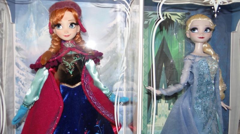 Disney Store Poupées Limited Edition 17'' (depuis 2009) - Page 37 42820011