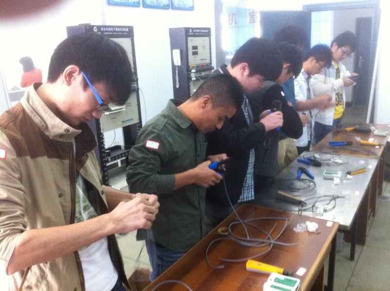 10月29日设计图实训及铜缆端接速度竞赛比赛图集 Img_1714
