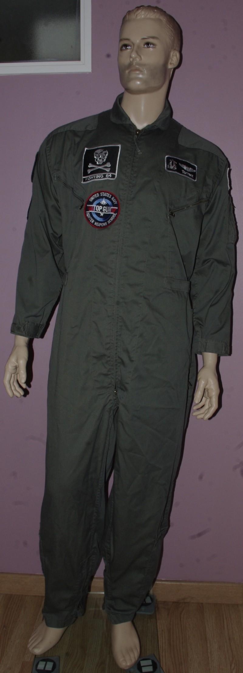 Tenue pilote de chasse de la VF-84 Jolly Rogers sur F-14 Tomcat _igp9938