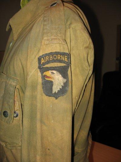 Tutoriel pour coudre ces Grades et patchs sur les uniformes 27283310