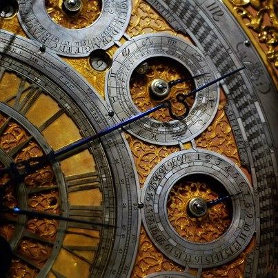 Horloge et temps 54082310