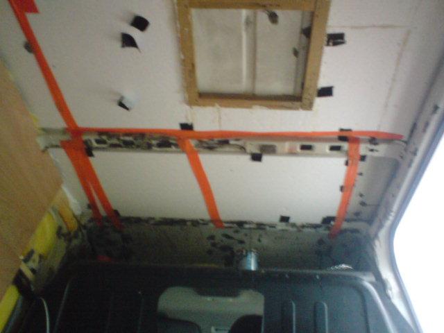 [Mk6] aménagement fourgon Ford.T 2.4 tddi 01010