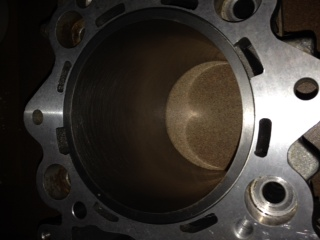 11;1 piston and cylinder Photo_17