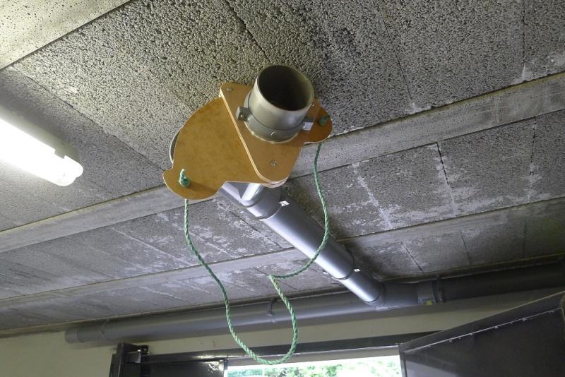 Pas à pas sur réalisation d'une guillotine pour aspiration machine à bois P1020810