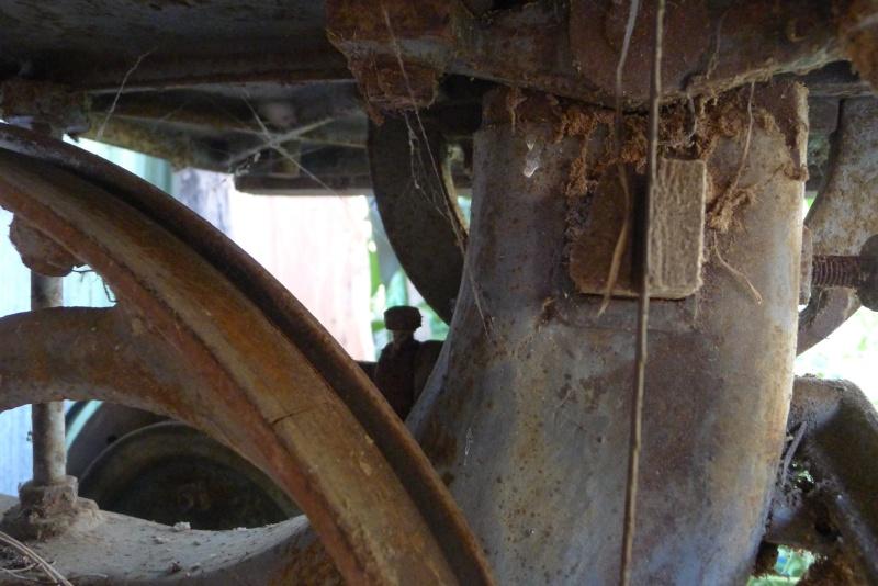 Ancienne scie à ruban Jacquin... La restauration est finie P1060110