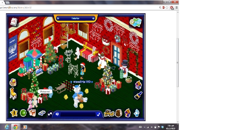 Christmas Cub Condo Decorating Contest ~ - Page 2 Holida10