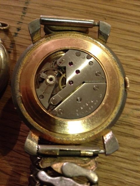 Jaeger - [Ici TOPIC des demandes d'IDENTIFICATION et RENSEIGNEMENTS de vos montres] - Page 38 Photo_28