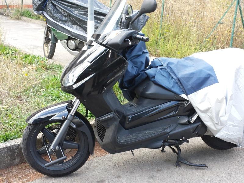 Ma petrolette :Yamaha Xmax 125 2008 40750 km environ 20131010
