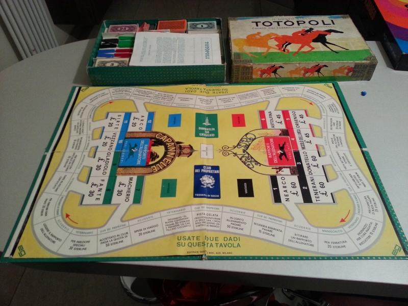 Vendo giochi di società assortiti (Totopoli, Help, Starquest,Scarabeo, Viaggio in Italia, D&D, Il signore degli Anelli, le Miniere di Moria) 20131015