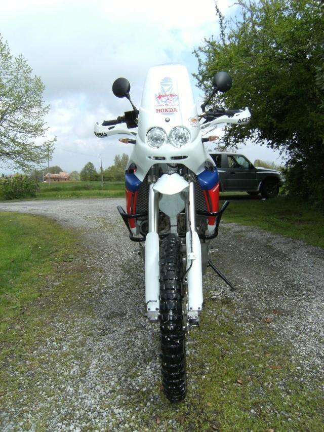 Alcune foto di altre mie moto.... 2010_010