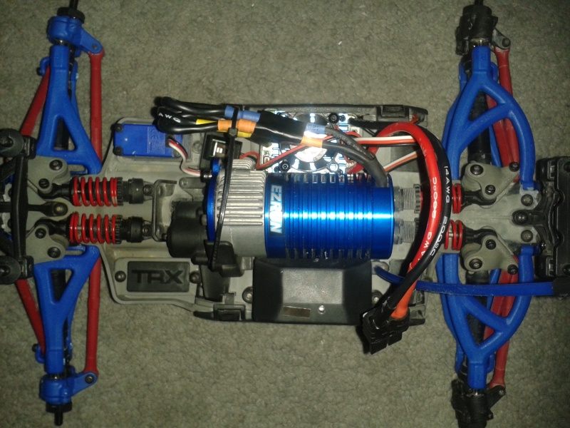 E-Revo 1/16 brushless B-B CASTLE - Page 3 20140110