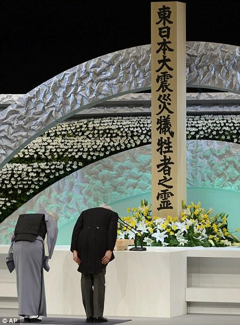 Casa Imperial del Japón (Nihon-koku / Nippon-koku) - Página 14 Aki310