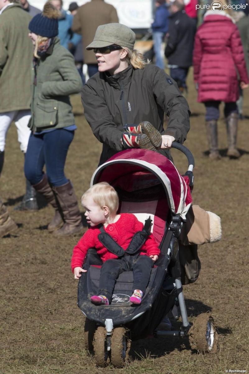 Princesa Ana Mountbatten-Windsor y familia - Página 18 Ana1610