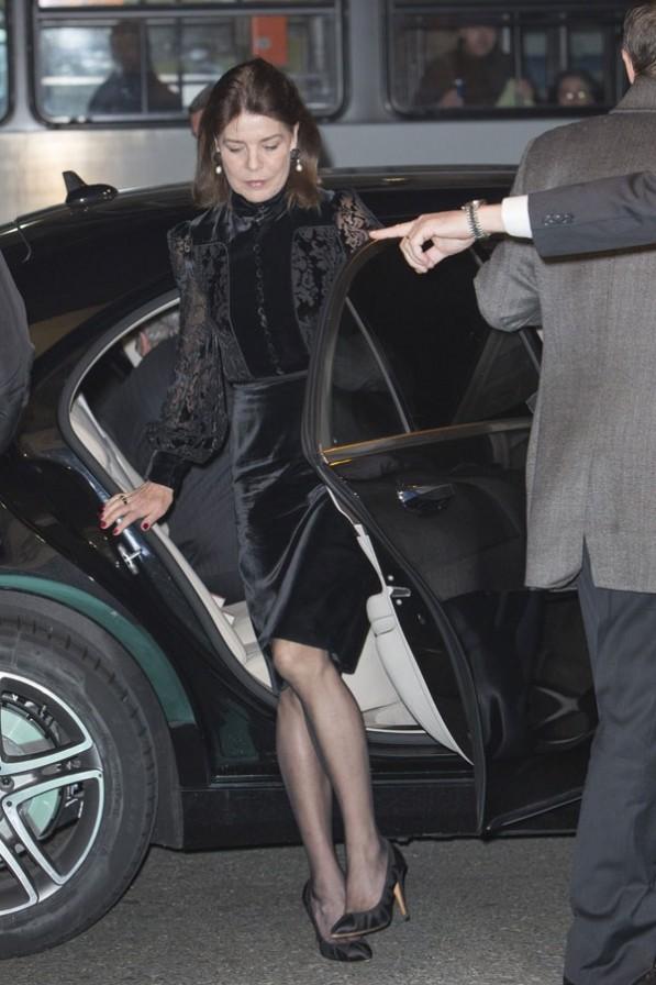 Carolina, princesa de Hannover y de Mónaco - Página 7 Mona110