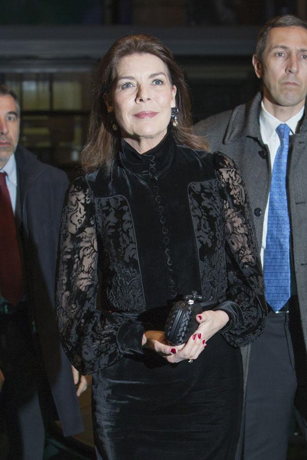 Carolina, princesa de Hannover y de Mónaco - Página 7 Mona410