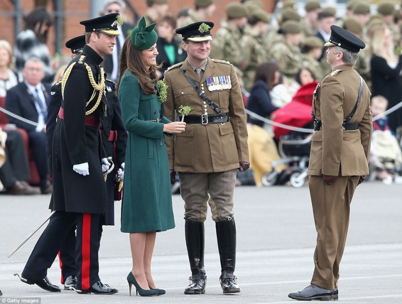 William y Catherine, Duques de Cambridge - Página 6 Pat1210