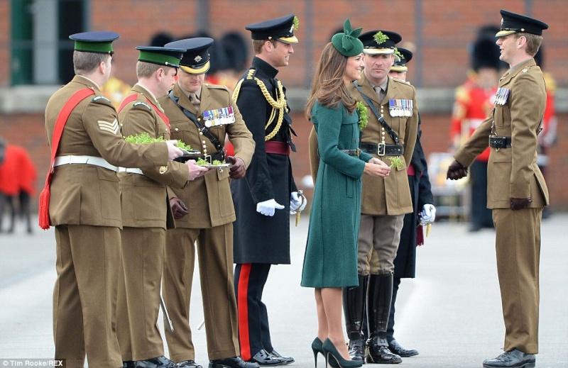 William y Catherine, Duques de Cambridge - Página 6 Pat1710