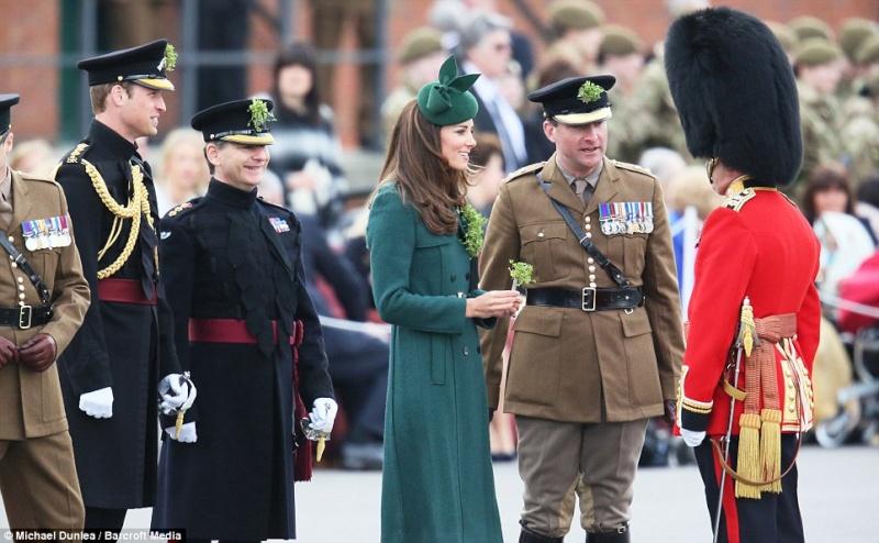 William y Catherine, Duques de Cambridge - Página 6 Pat2210