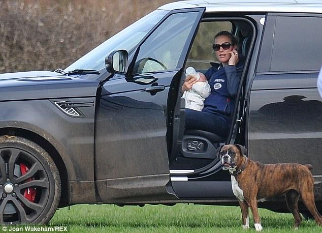 Princesa Ana Mountbatten-Windsor y familia - Página 18 Zara212