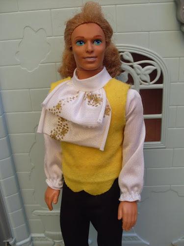 poupée disney la belle et la bête Prince18