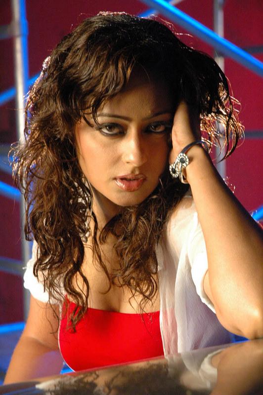 Tie Kaveri Jha Photos Kaveri10