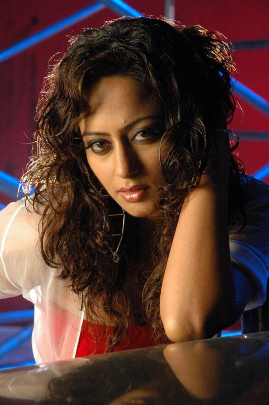 Tie Kaveri Jha Photos Kaveri11