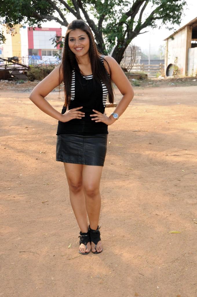 Yagna Shetty in Ramya Barna Panchamruta Movie Pics Ramya-10