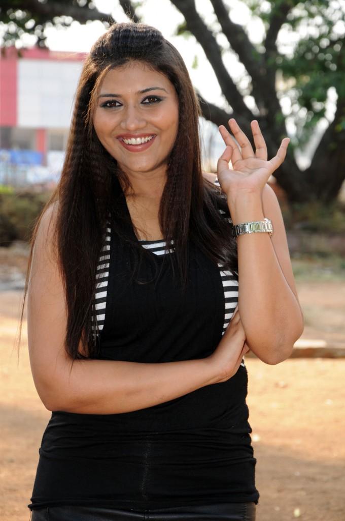 Yagna Shetty in Ramya Barna Panchamruta Movie Pics Ramya-11
