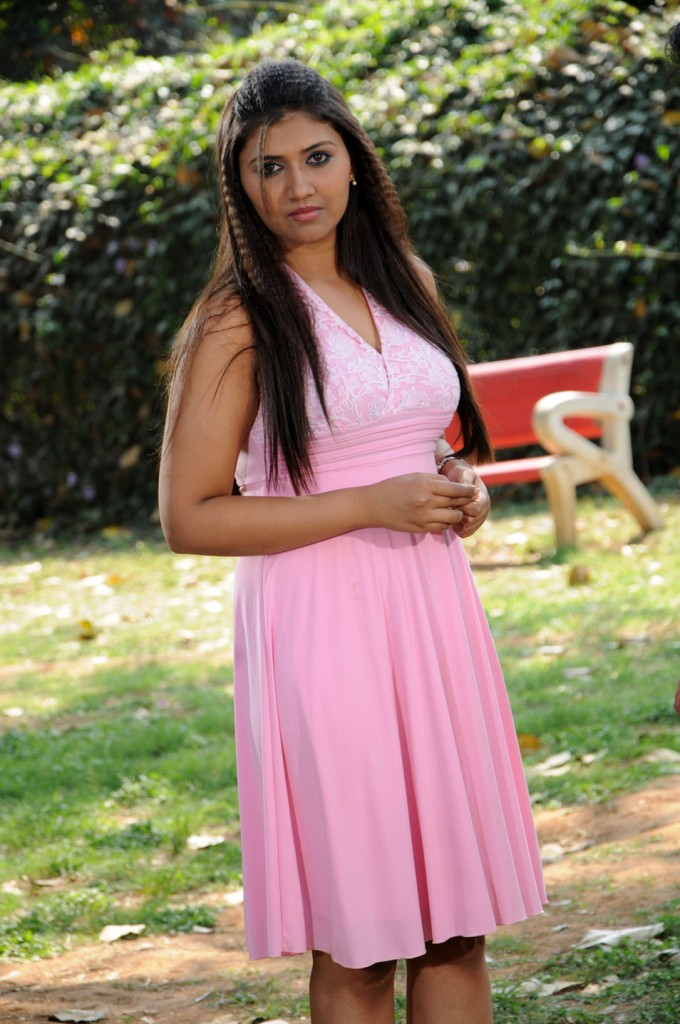 Yagna Shetty in Ramya Barna Panchamruta Movie Pics Ramya-13