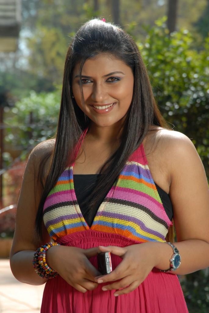 Yagna Shetty in Ramya Barna Panchamruta Movie Pics Ramya-15