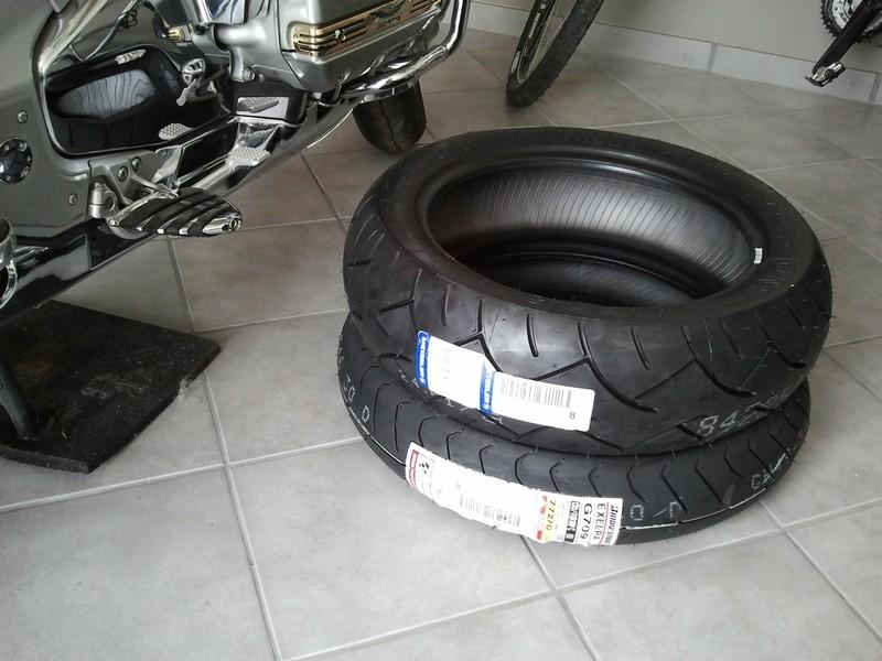 votre opinion sur les meilleurs pneus pour notre monture. Black Bedroom Furniture Sets. Home Design Ideas