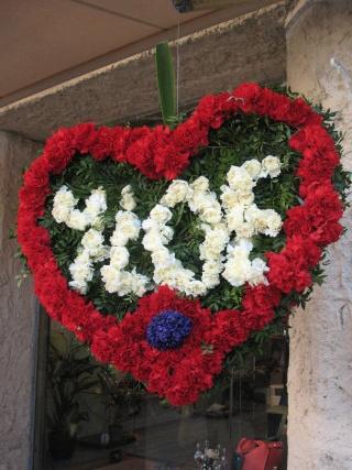 ALPES MARITIMES (06) Tourettes sur le loup décoration des riues et fête des violettes 32310