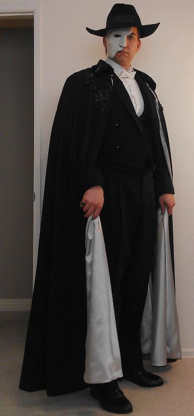 Phantom costumes - real and replicas - Page 9 Imag0919