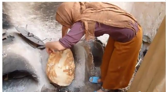 pain - Le plus grand pain Amazigh  the largest bread Amazigh Four_510