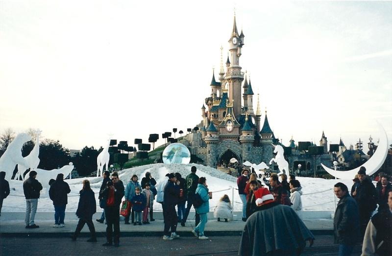 Les saisons de Noël au parcs a travers les années depuis 1992 ! ^^ Numari13