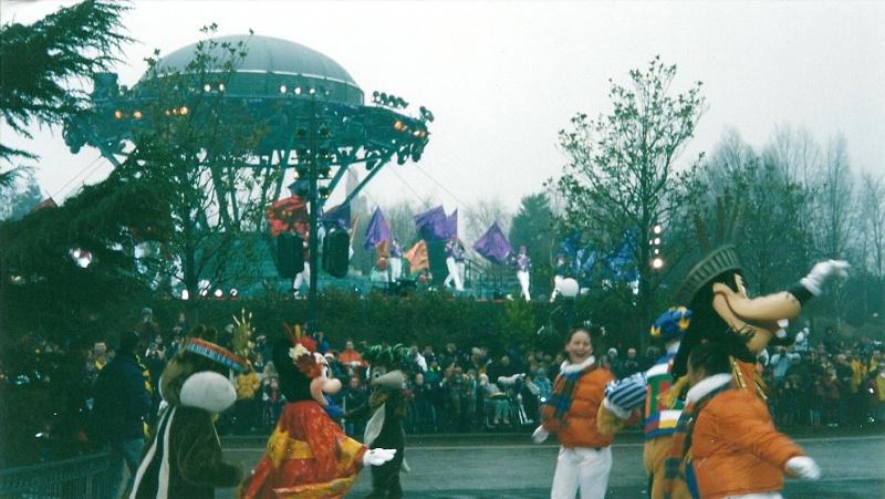 Les saisons de Noël au parcs a travers les années depuis 1992 ! ^^ Numari14