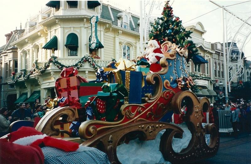 Les saisons de Noël au parcs a travers les années depuis 1992 ! ^^ Numari16