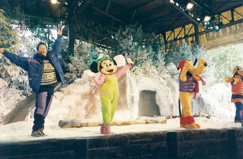 Les saisons de Noël au parcs a travers les années depuis 1992 ! ^^ Numari17