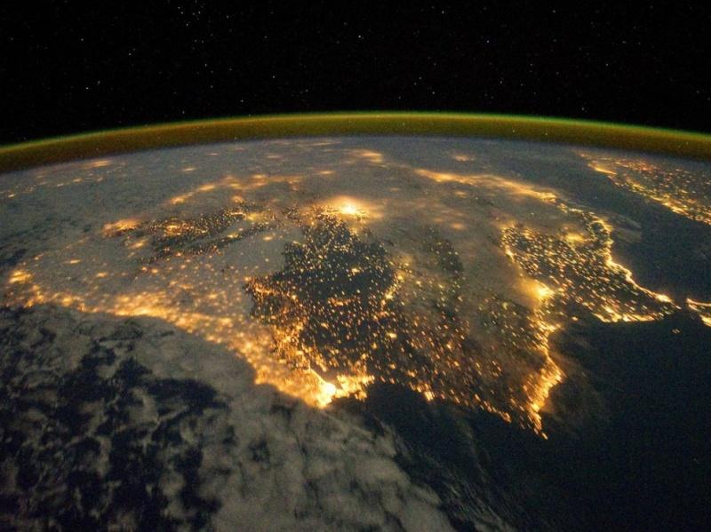 Les lumières de la péninsule ibérique vue depuis la Station spatiale internationale. Lisbon11