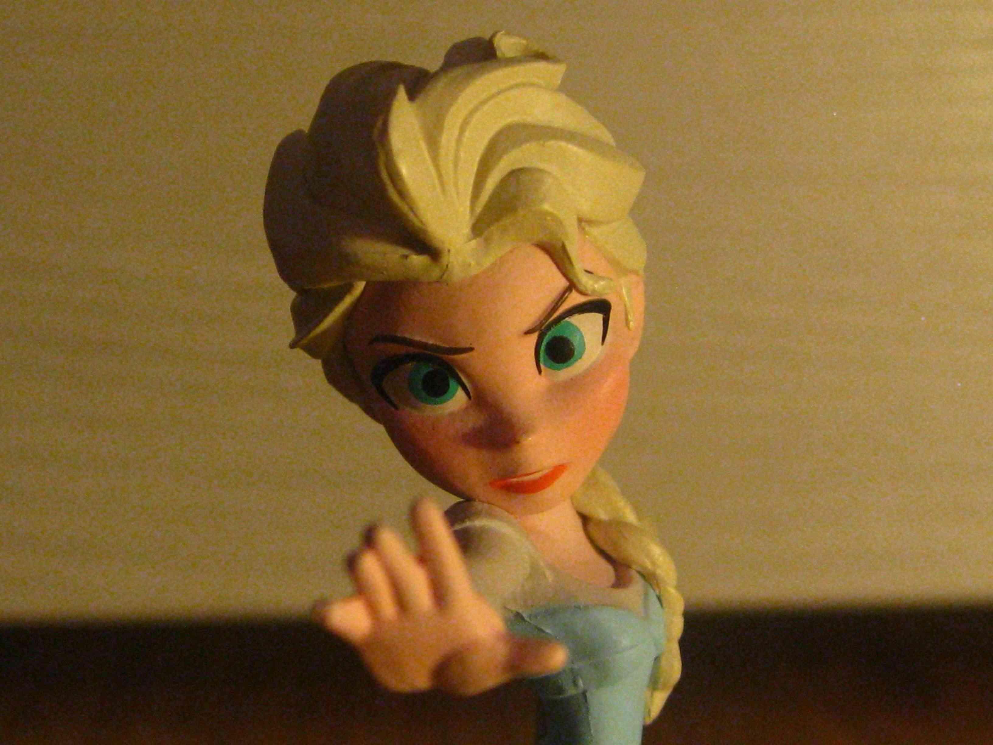 La Reine des Neiges - Page 37 Elsa_f17