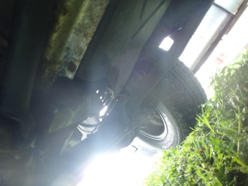 Problème fuite huile moteur? boite de pont? P3300414