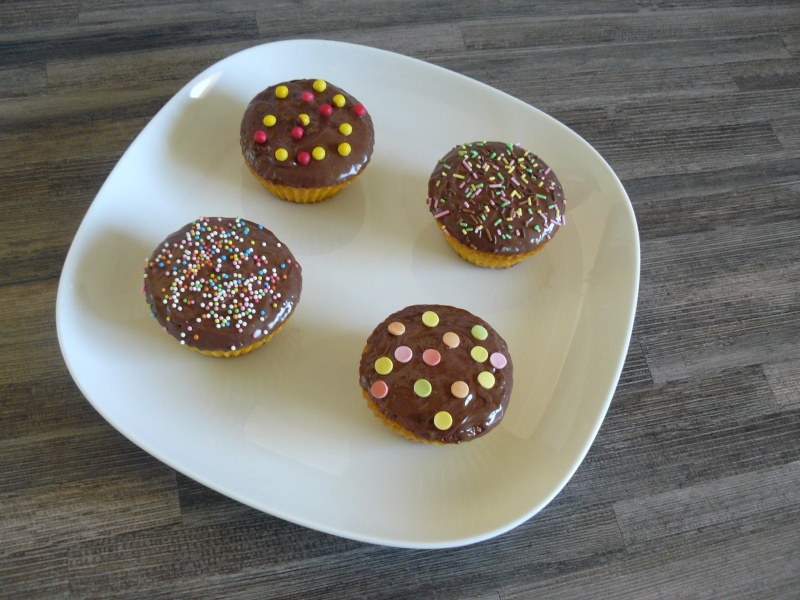 Cupcakes : recettes et décors simples - Page 19 P1140011