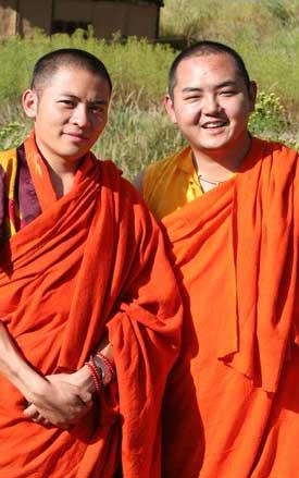 Venue en France de Khamtrul Rinpoché après Thuksey Rinpoché 1010