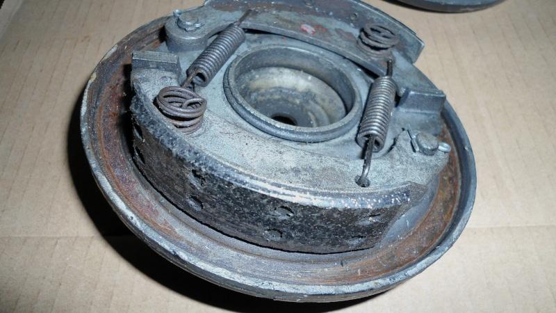 Remise en état des garnitures de freins Dsc00217
