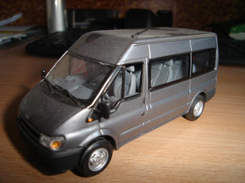 ford transit en miniature R10