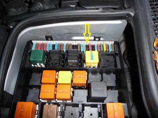 [BMW 525 tds E34] Problème de déchargement de la batterie P1010917