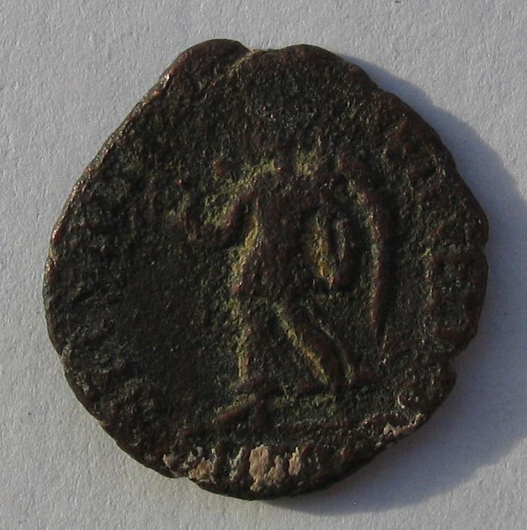 nummus de Valentinien Ier pour Aquilée 272